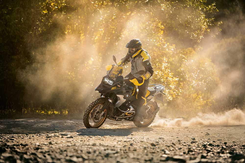 bmw r1250gs motorbike review