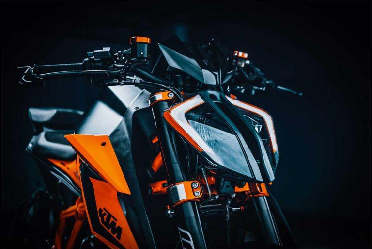 KTM 1290 Super Duke R motorcycle review