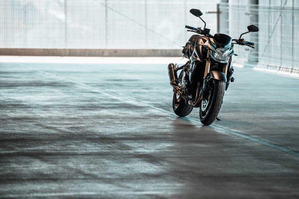 motorcycle photography suzuki gsr750