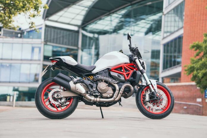 ducati monster 821 motorcycle review